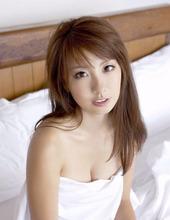 Stunning Beauty Azusa 01