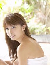 Stunning Beauty Azusa 12