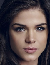 Marie Avgeropoulos 08