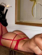 Dionne Daniels - Ravishing in red 16