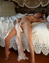 Sexy Naked Zara 09