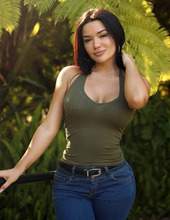 Genesis Mia Lopez 00