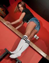 Stipping Nikki Sims 08