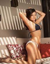 Sarah Clayton 05