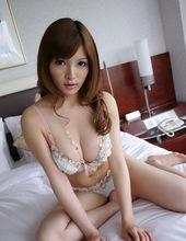 Yuria Kiritani 00