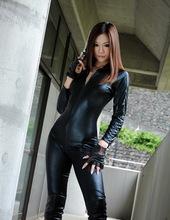 Mika Mizuno - Girl with a gun 01