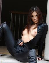Mika Mizuno - Girl with a gun 04