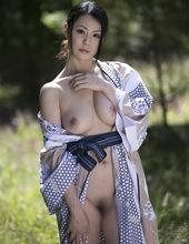 Nana Aida - Don't need that yukata 02