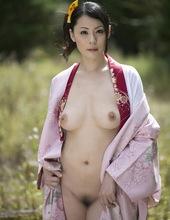 Nana Aida - Don't need that yukata 09
