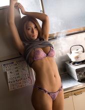 Nami in the kitchen 06