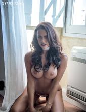Lara Rose 06