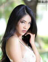 Hot Asian Brunette Babe Arya 01