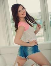 Alison Rey 02
