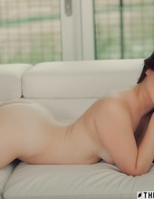Alison Rey 12