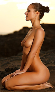 Young Tanned Beauty Melisa