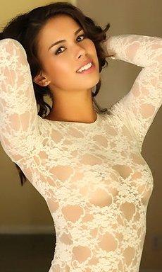 Hot Brunette Alluring Vixen Amanda Marie