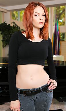 Sweet Redhead Bree