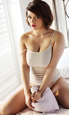 Mia Sexy Body