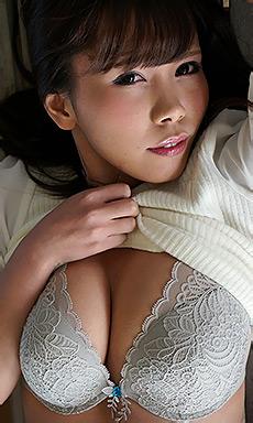 Mikuru-chan strips off