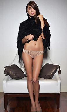 Hot Beauty Michaela Isizzu