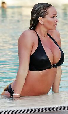 Jennifer Ellison In The Pool