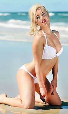 Jorgie Porter In Bikini
