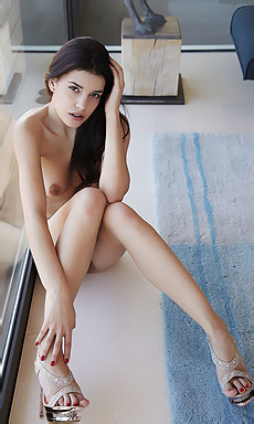 Candice Luka Strips