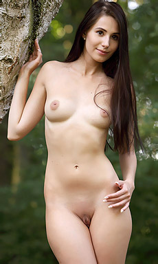 Vanessa A In Forest Queen