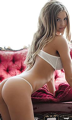 Sexy Blonde Danica Thrall