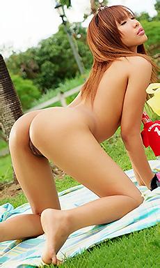 Nana Sarin Strips Naked