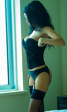 Latin Sexbomb Laura Cattay