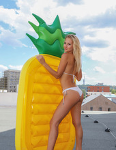 Inflatable Pineapple 01