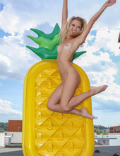 Inflatable Pineapple 13